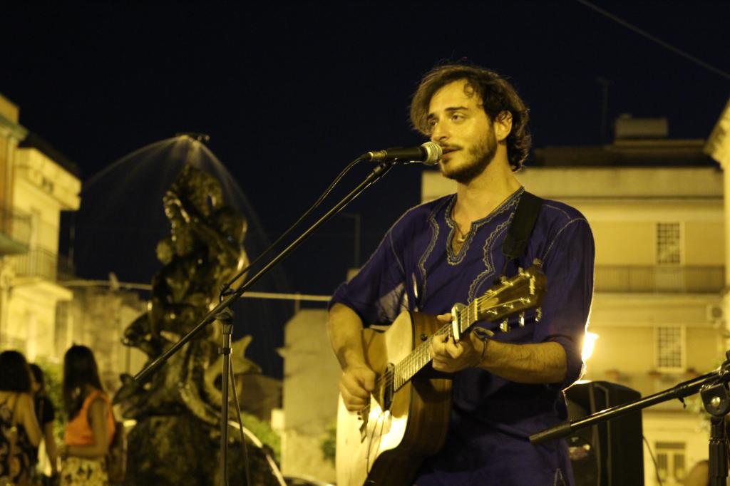 Leonardo-Gallato,-quando-la-parola-diventa-musica.....Revolution!!!