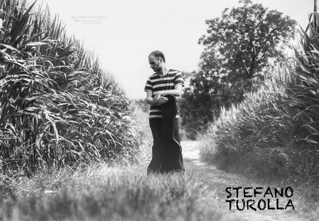 Stefano-Turolla,-cantautore-che-canta-di-vita-e-di-sentimenti